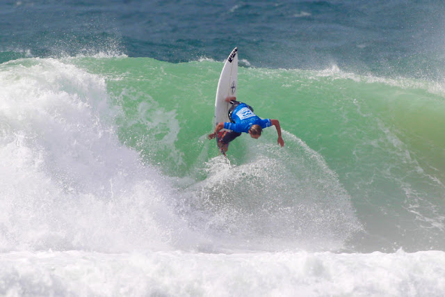 1 Caio Ibelli BRA Allianz Billabong Pro Cascais Foto WSL Laurent Masurel