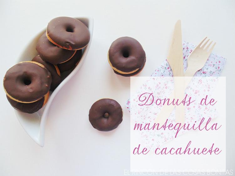donuts de mantequilla de cacahuete y chocolate