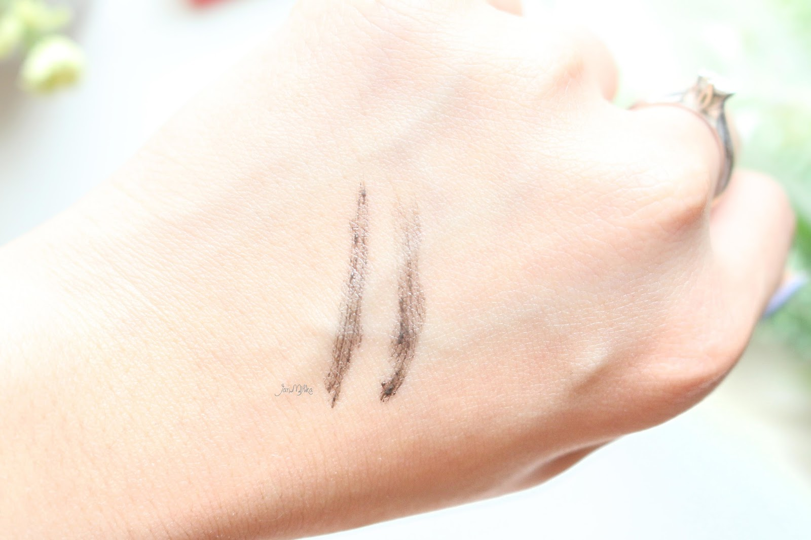 benefit, benefit cosmetics, gimme brow, brow, alis, luxola, luxola id, luxola indonesia, indonesia, review, swatch, beauty, blog, beauty blog