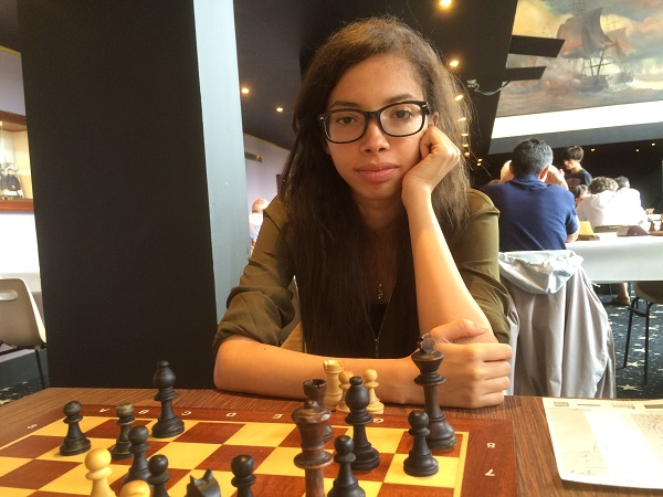 La jeune algérienne Marwa Aouachria vise une place sur le podium de l'Open B - Photo © Chess & Strategy