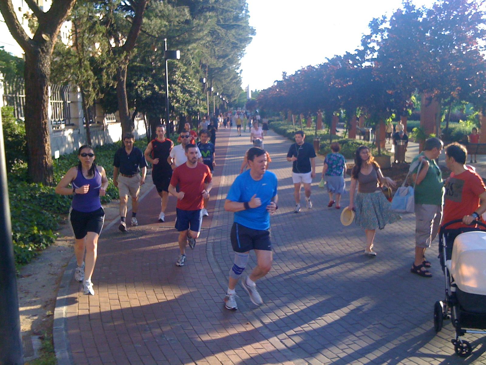 Cuaderno de un maratoniano novato corriendo por madrid overbooking - Oficinas canal isabel ii madrid ...