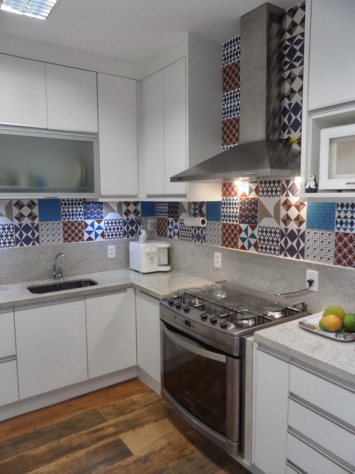 Reforma de cozinha área de serviço e dependências de empregada na  #654934 1200x1600 Bancada Banheiro Em L