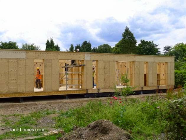 Etapa de construcción con elementos de madera encastrables