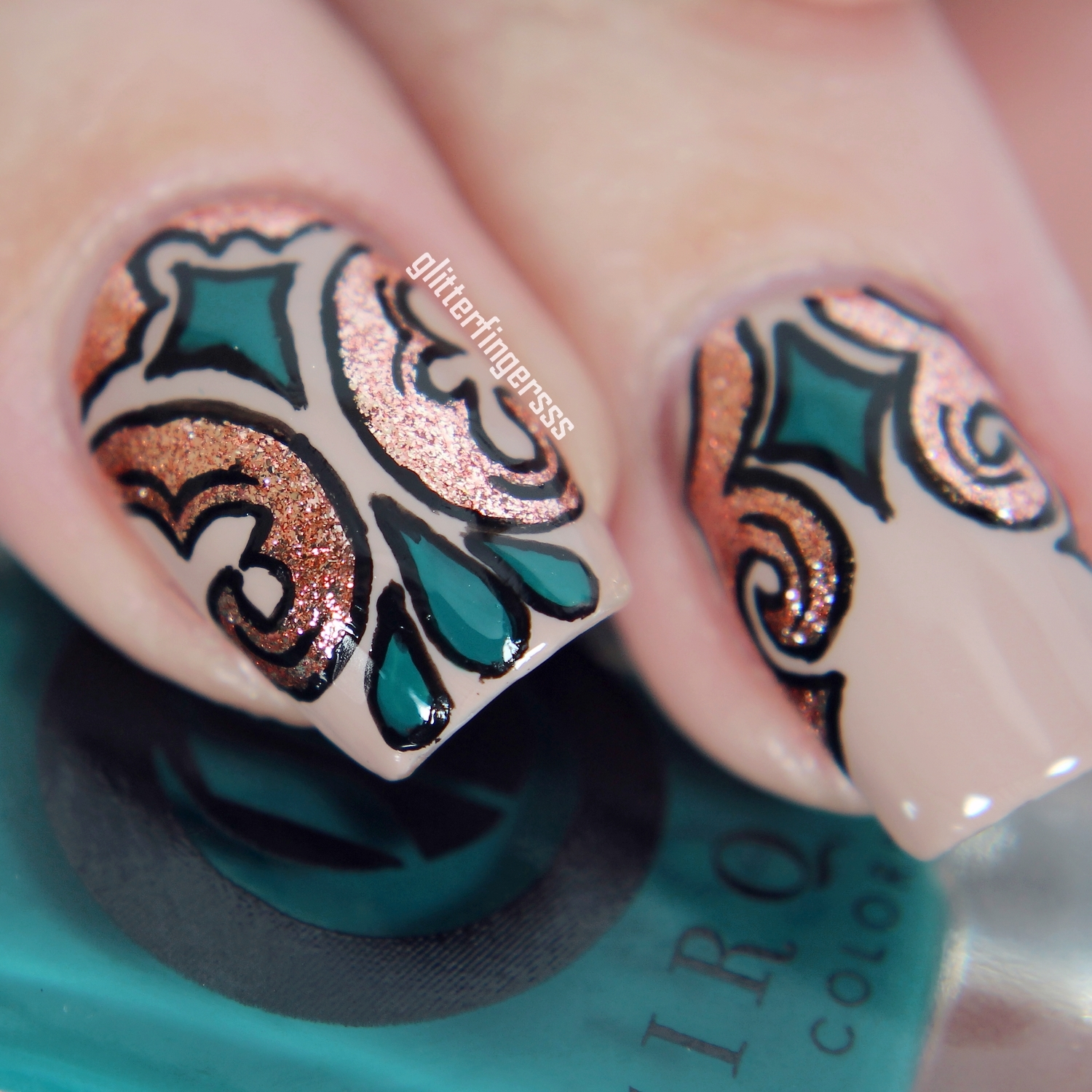 Nail art with Cirque Colors nail lacquers ~ Glitterfingersss in english