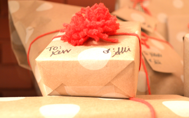 Gifts, Christmas, Christmas Gifts, Presents, Christmas Presents, Craft wrapping, Wrapping paper, christmas wrapping paper