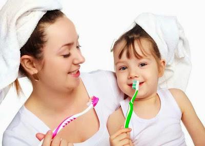 Sikat gigi bayi - Penting Gak Sih Melatih Bayi Menyikat Gigi?