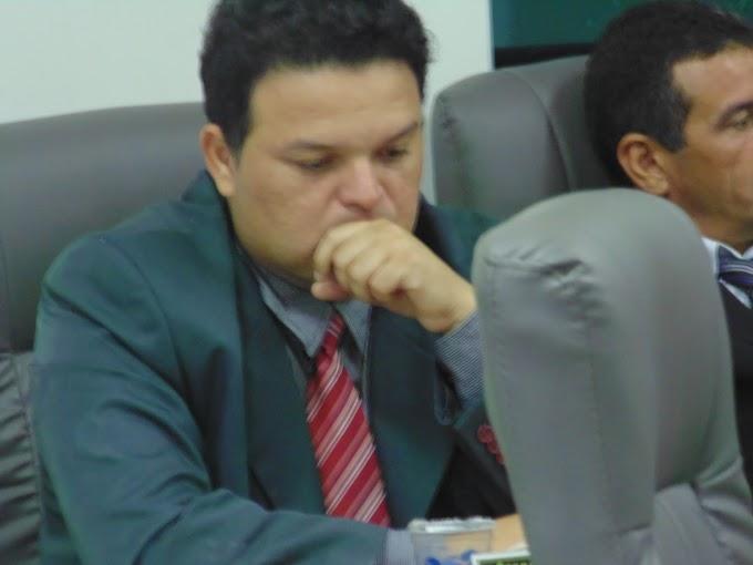 """Vereadores governistas """"choram miséria"""" por uma """"boquinha"""" na Prefeitura de Caxias!!!"""