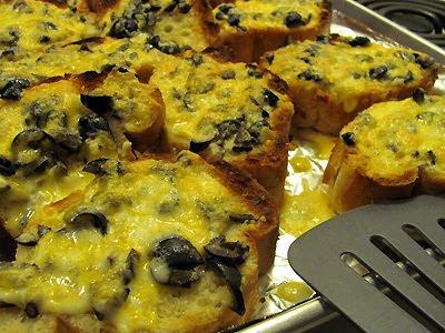Cookbook Bites: Black Olive and Colby Jack Garlic Bread