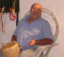 Eliseo, Parrandas, cuatro, maracas y tambores