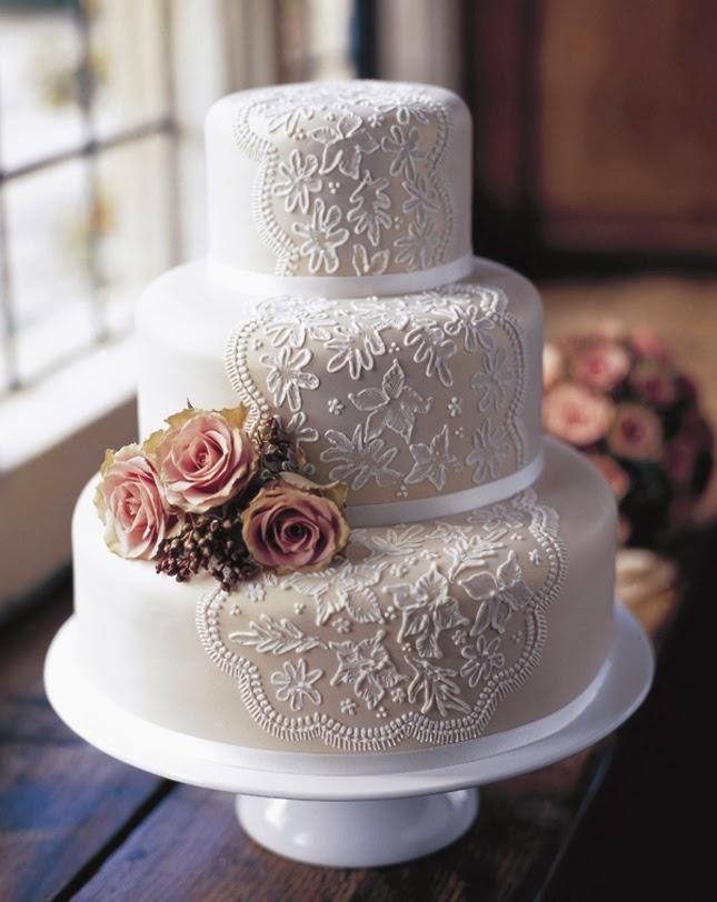 Kleid Zeit Die Moderne Hochzeitstorte
