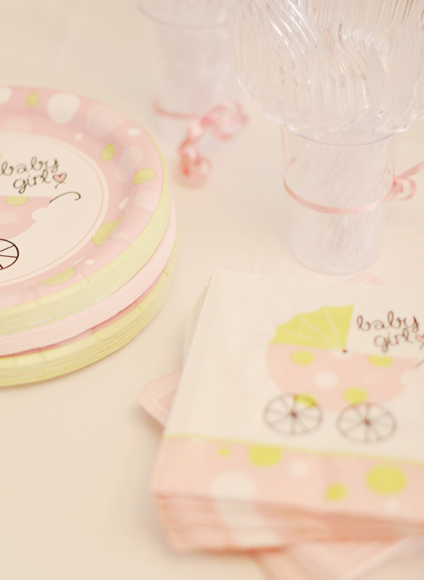 baby shower napkins and plates