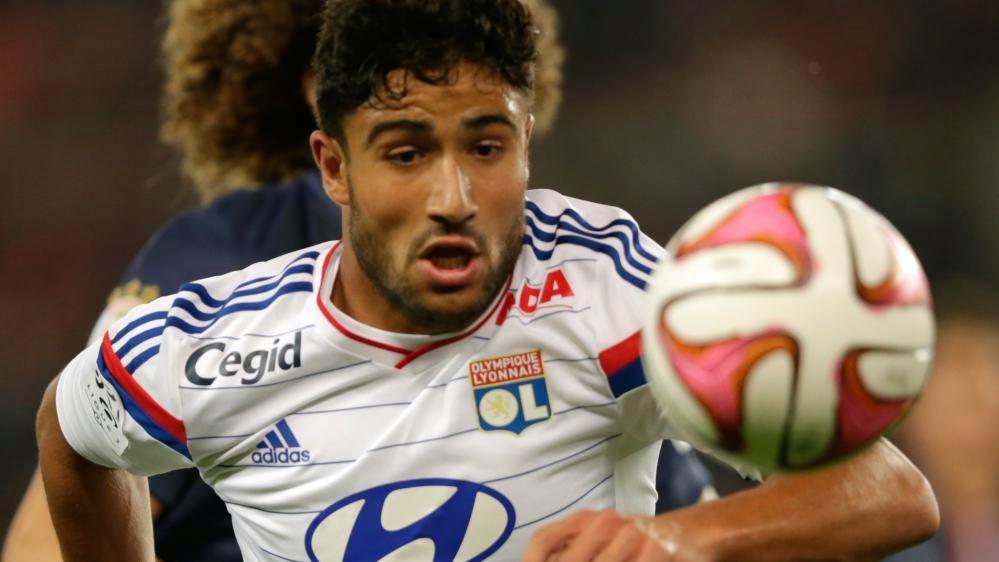 Le joueur de l'Olympique lyonnais Nabil Fekir, lors d'une rencontre contre le PSG, le 21 septembre 2014, au Parc des Princes, à Paris.
