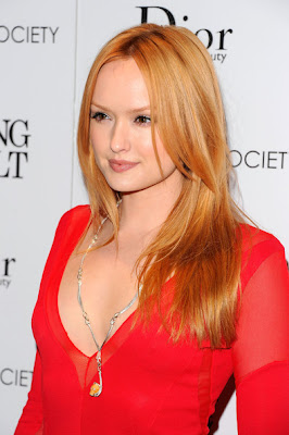 Kaylee Defer Long Center Part Hairstyle Photo