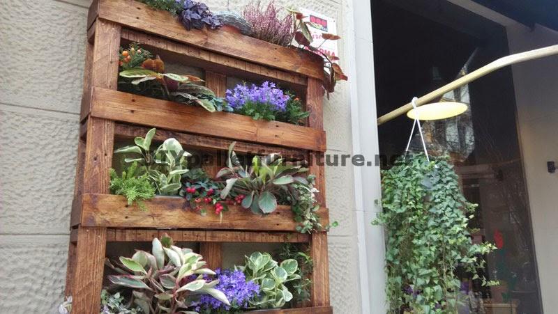 Decoraci n urbana con jardineras de - Jardineras de colores ...