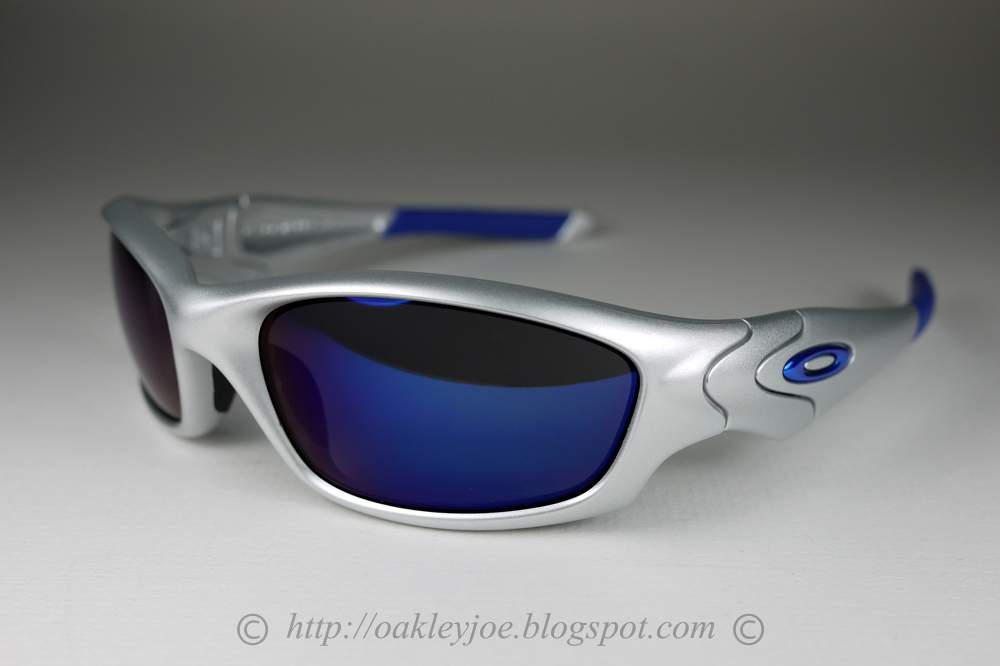 oakley mens straight jacket iridium  04 334j straight jacket asian fit silver + ice iridium. not for sale lens pre coated with oakley hydrophobic nano solution complete oakley package includes