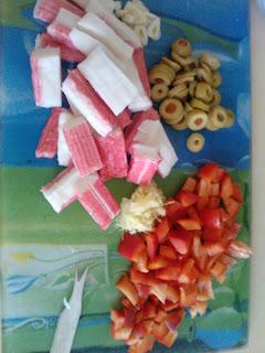 Produkty do zupy z paluszków surimi z kukurydzą