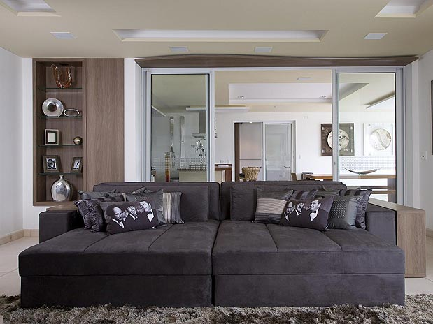 Decoracao De Sala De Tv Com Sofa Cinza ~  imagens de sofás e pufes na cor grafite para a sala de vídeo dela