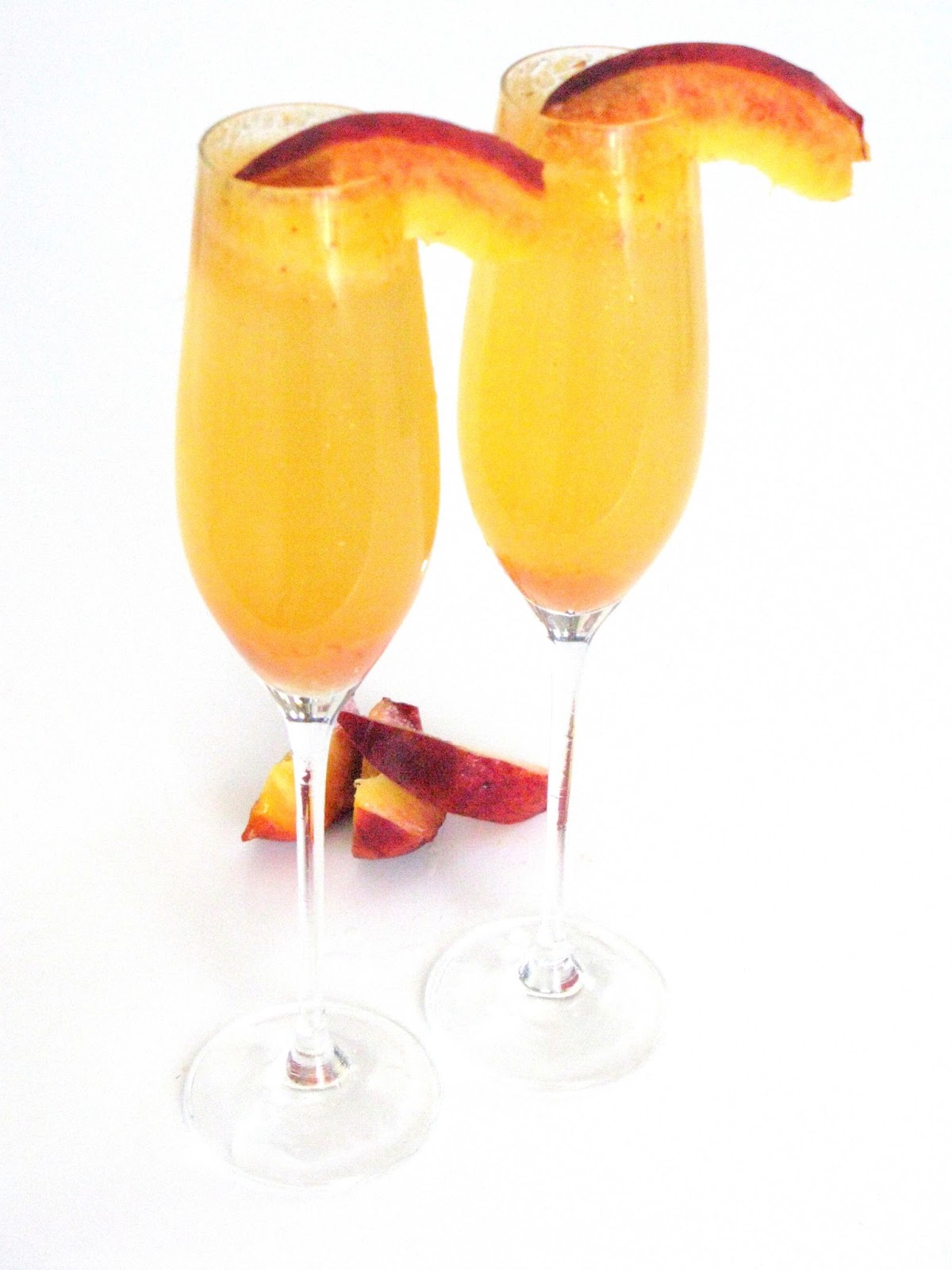 Love And Bellinis: Fresh Peach Bellinis
