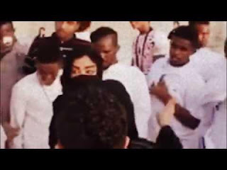 بالفيديو تح رش جماعي بفتاتين في أحد متنزهات جدة بالسعودية