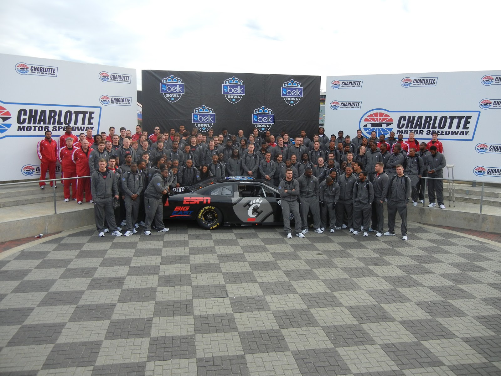 Belk bowl 2012 experience dream comes true at charlotte for Charlotte motor speedway driving school