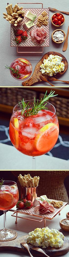 Gin tônica de morango com hibisco + queijo Feta com raspas de limão siciliano