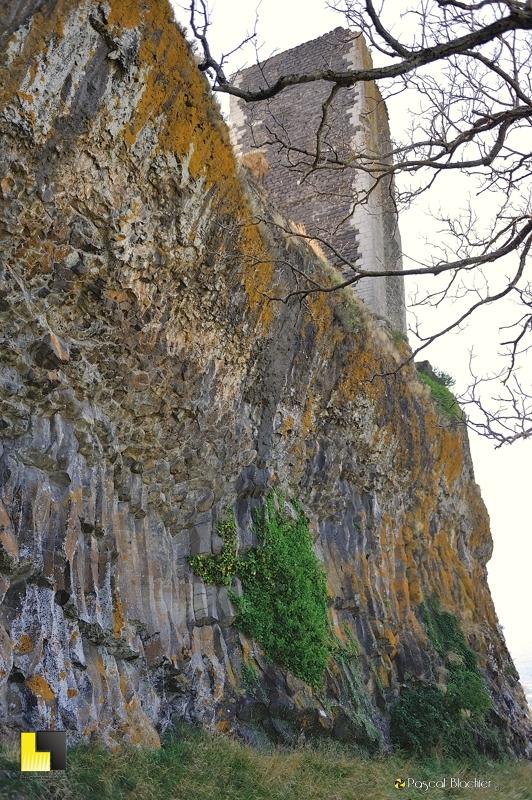 la tour de mirabel sur ses colonnes de basaltes photo blachier pascal