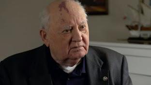 """Gorbachov advierte que el mundo está """"ante un peligro colosal"""""""