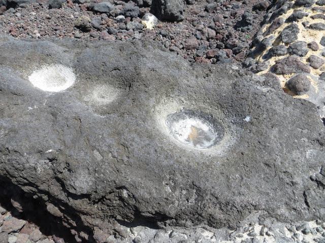 Fotografia macro de Cova com Sal formada Naturalmente na Pedra da Calheta dos Biscoitos