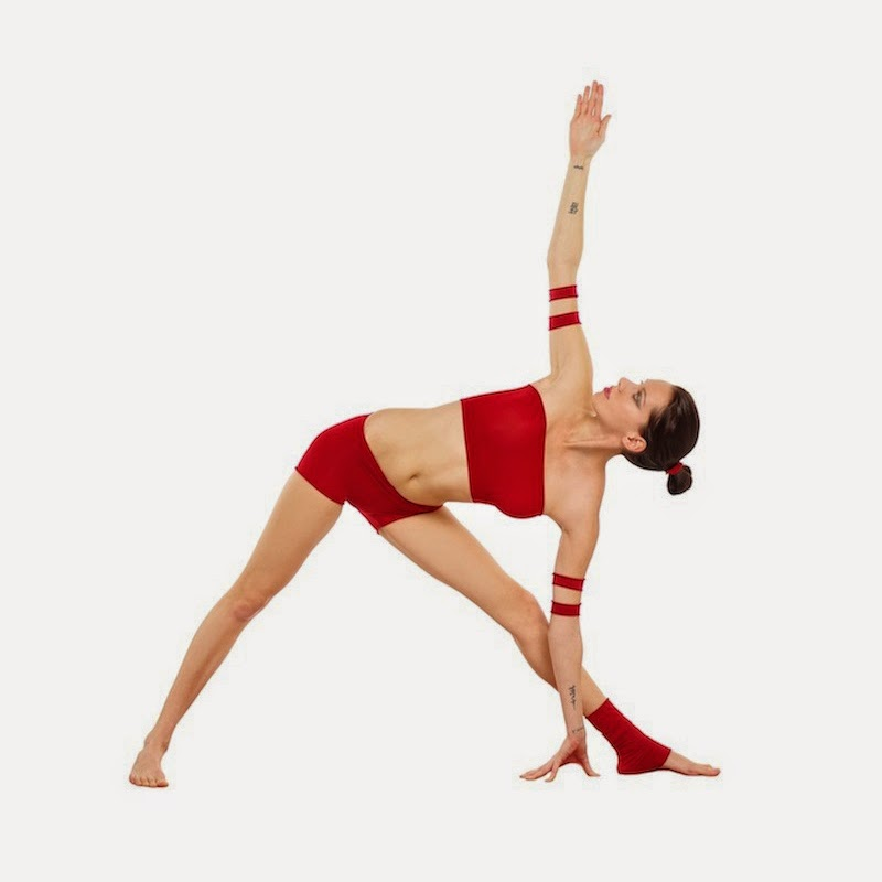 Yoga: Pose del triángulo extendido