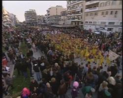 Χιλιάδες κόσμου κατέκλυσαν την Καλαμάτα και συμμετείχαν στο 1ο Καρναβάλι της