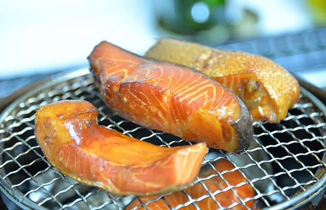 長谷園のいぶしぎんで秋刀魚の燻製
