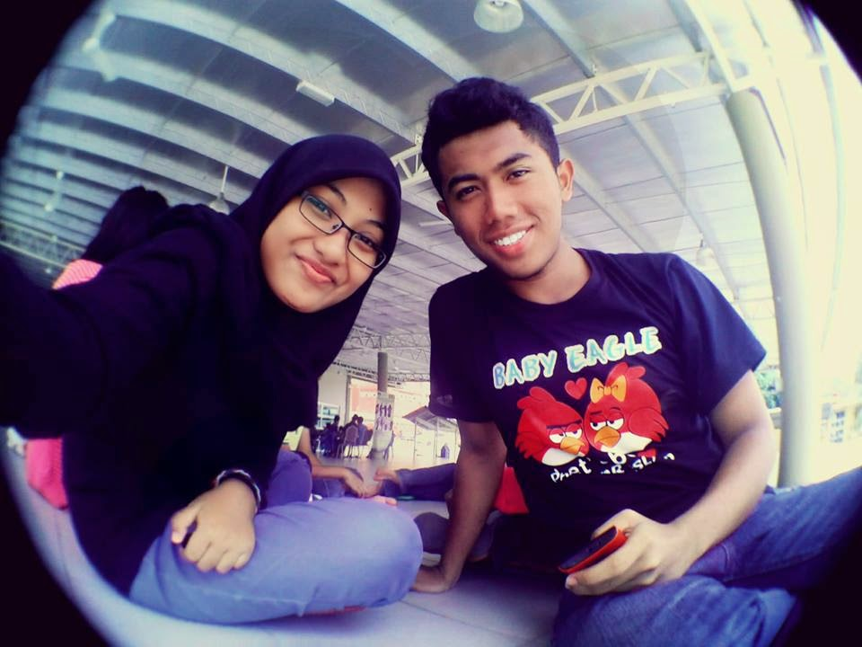 Last on UiTM SI wif crush >.< ! HukHuk Fienas ~!