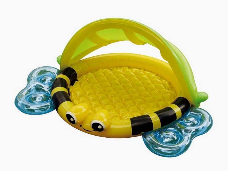 Ll mamemam hotel o apartamento primeras vacaciones en familia - Piscina toys r us ...