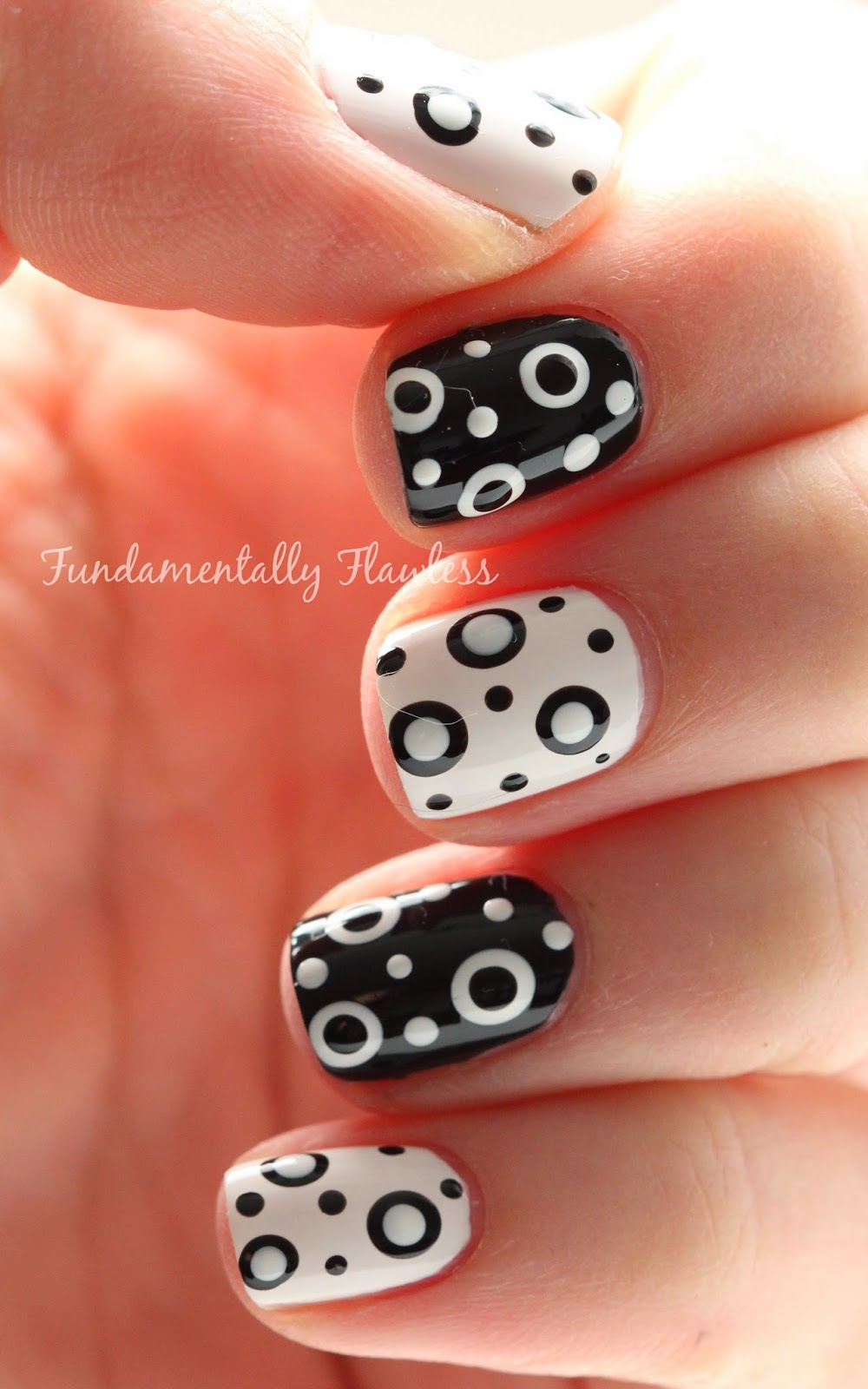 Black and White Double Dotticure