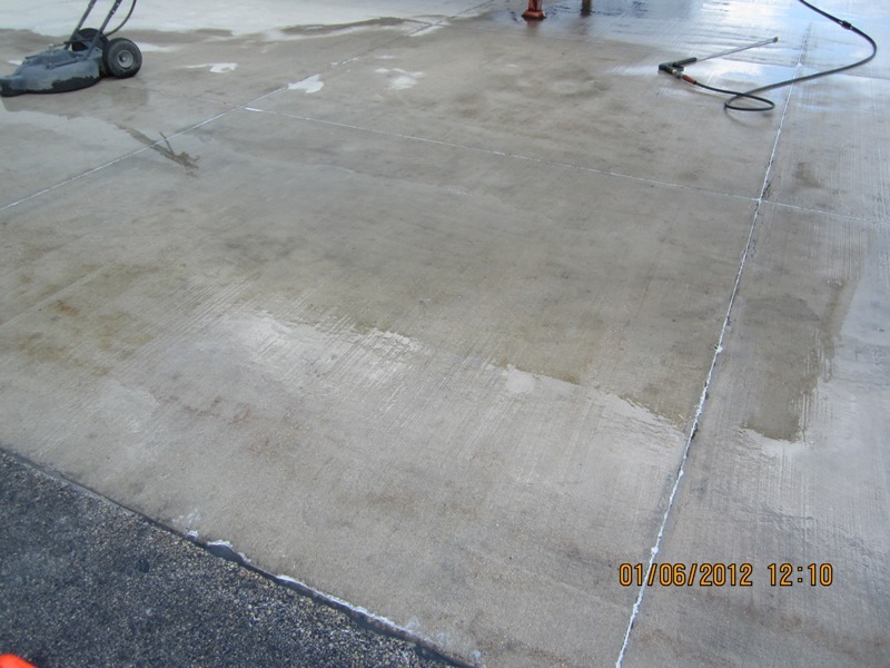 Eatoils newsblog oil stains on concrete bt200 tm to the for Clean oil from concrete