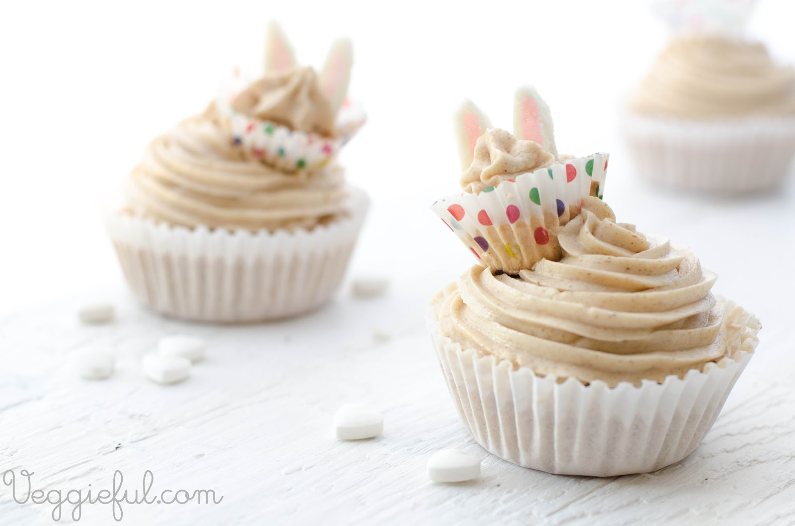 Cake With Cupcake Recipe : Veggieful: Vegan Easter Carrot Cupcake Recipe