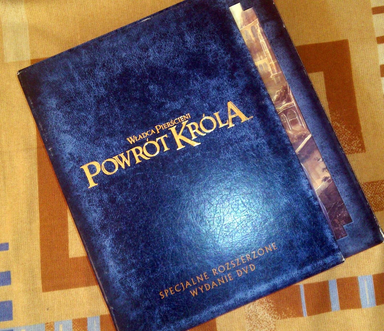 Kamil Pisze Kamil Czyta Książki Tolkien Władca Pierścieni Kolekcja Recenzja  Figurki Gollum Książki Film Muzyka