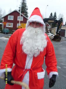 Tamperelainen savuton ja raitis joulupukkipalvelu lastenne ja sukunne iloksi 044-3380291
