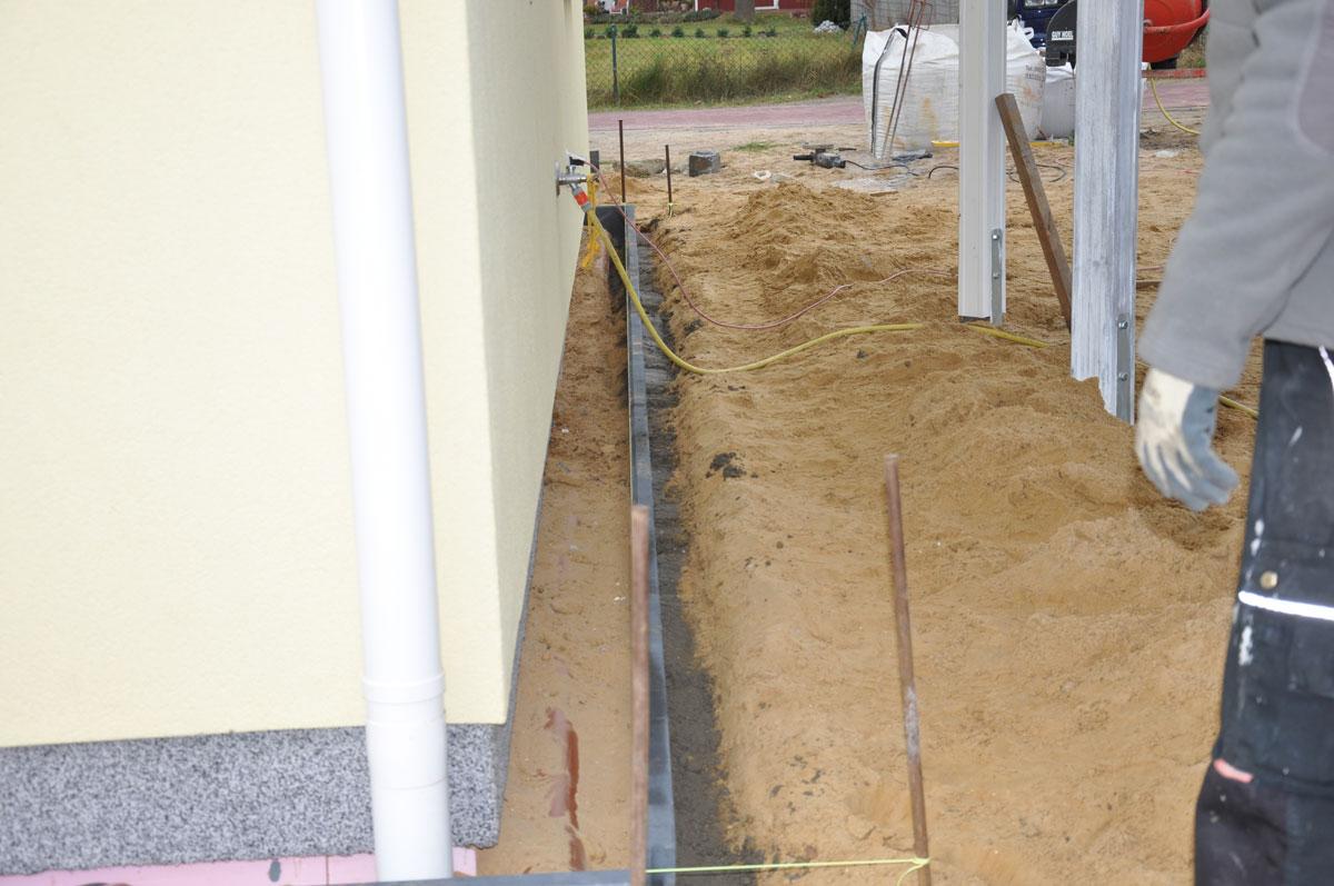 familie koller baut ein danwood haus point 127 beton. Black Bedroom Furniture Sets. Home Design Ideas