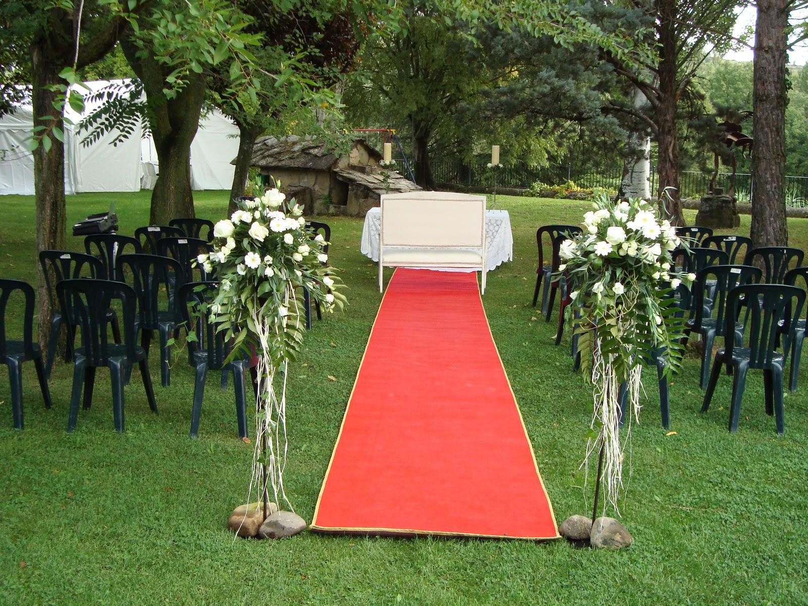 Casa borgo graus decoracion floral boda jard n for Adornos boda jardin