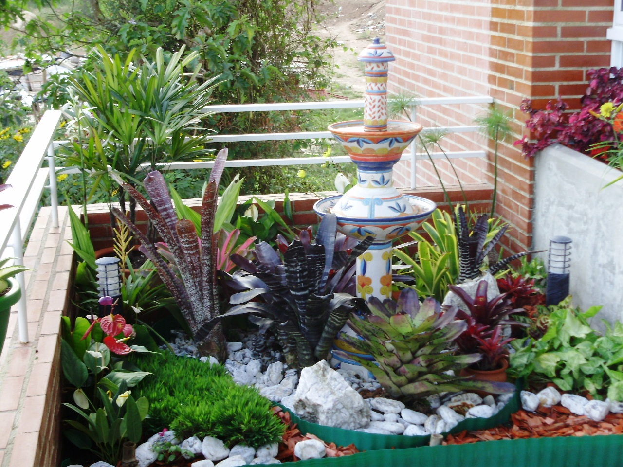 Jardiner a e imagen antes despu s nuevo jard n en la for Arreglo del jardin