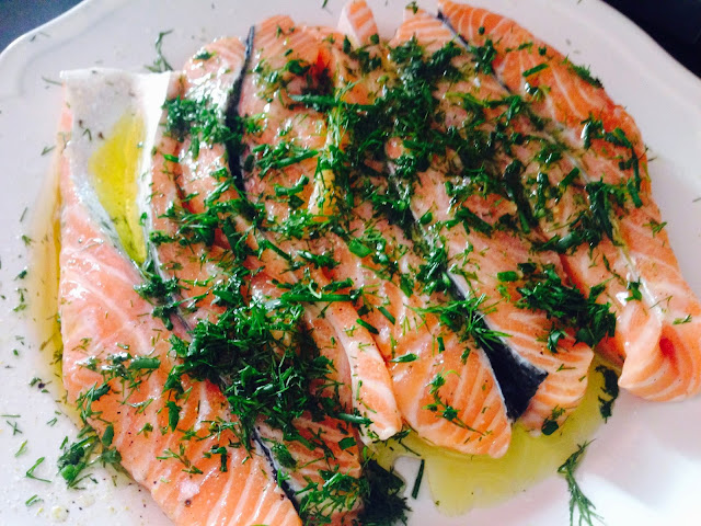 Salmon with herbs and lemon