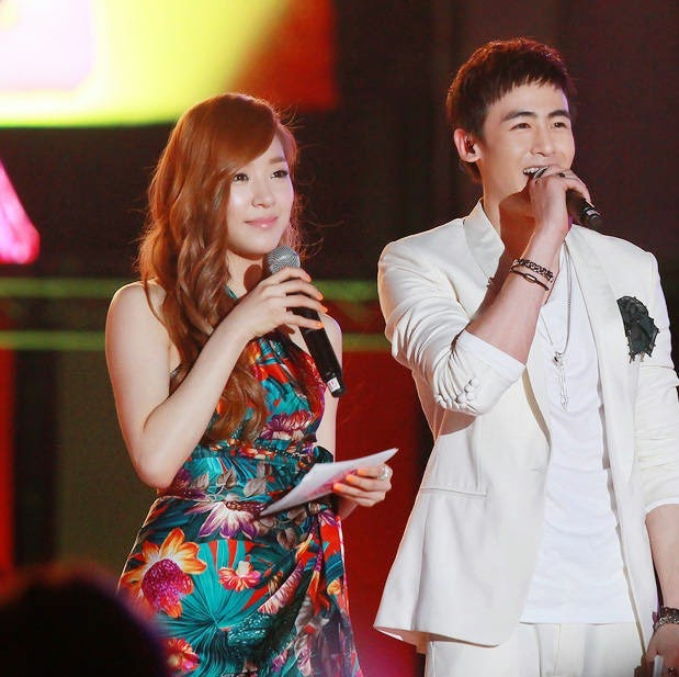 nichkhun and tiffany dating pictures on camera