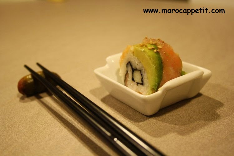 Sushi avec du saumon, avocat et pomme grany | Sushi with salmon , avocado and apple grany