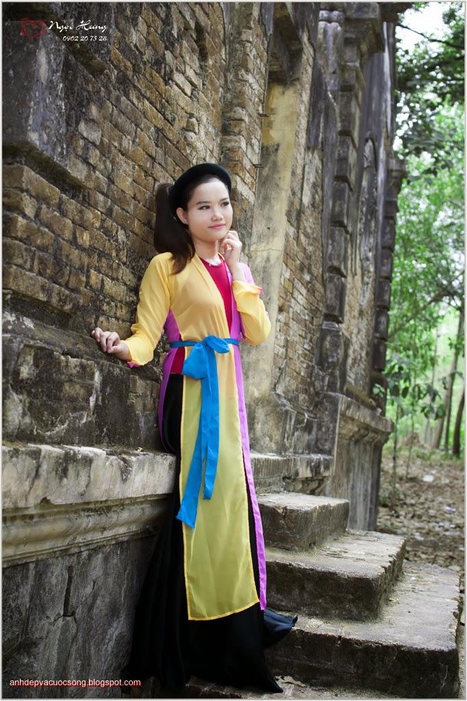 Thiếu nữ Huế xinh đẹp với áo tứ thân 10