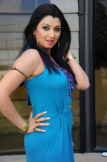 Indian Airhostess and Actress Siddhie Mhambre Hi Resolution Picture Gallery