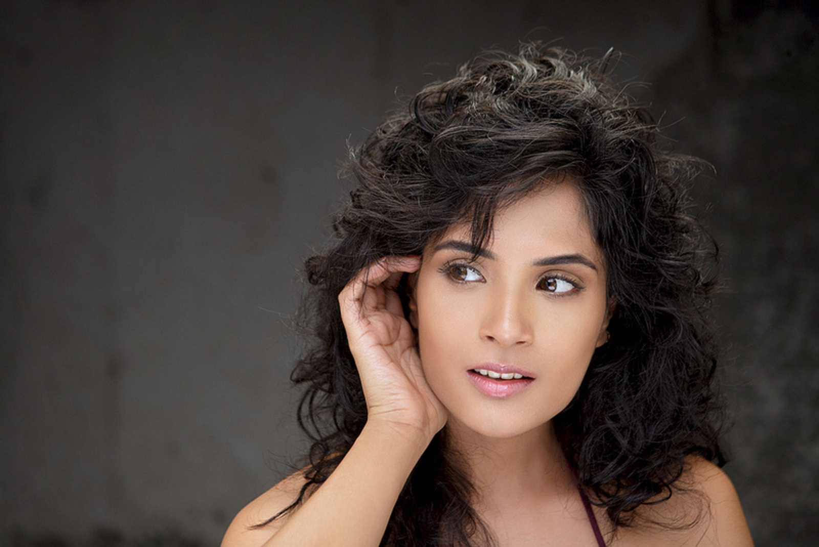 richa chadda wallpapers free download | indian hd wallpaper free