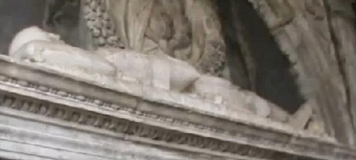 Tomb of 'Dracula' Discovered in Naples