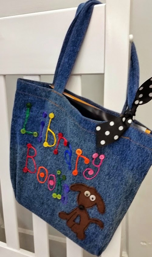 iLoveToCreate Blog: DIY Fabric Patch Library Tote Bag