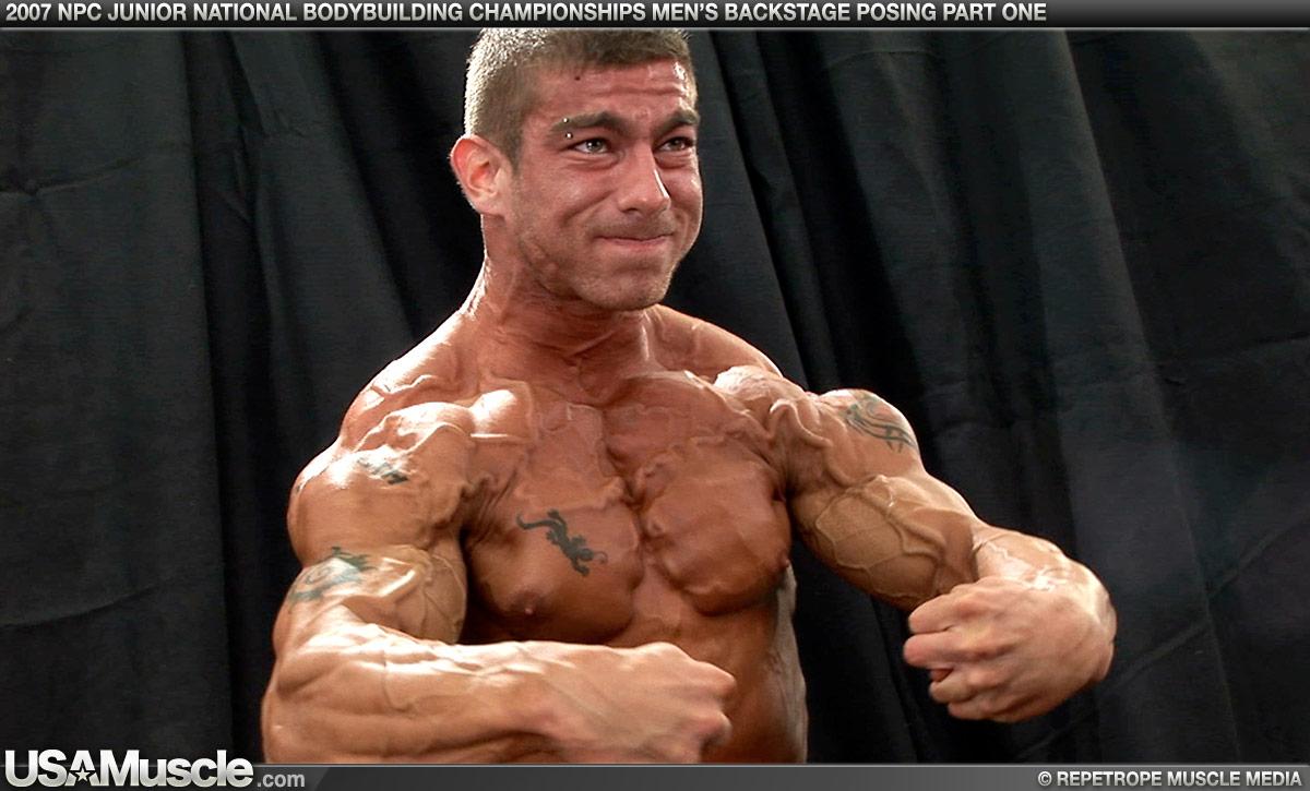 Vascular Bodybuilding Muscle Stop!: Bodybuilder Ryan